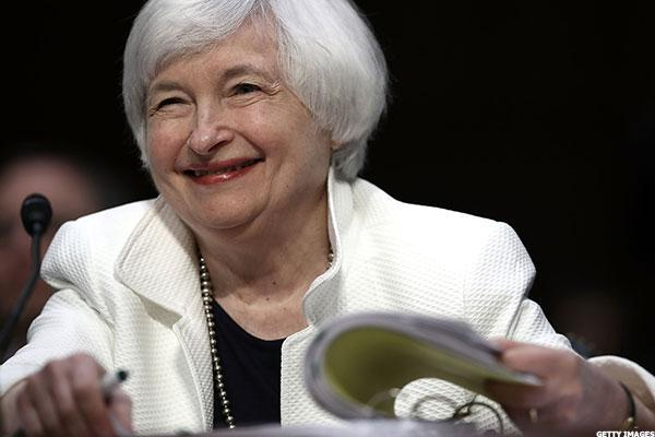 Fed Leaders' Recent Remarks Reflect Different Perspectives on Rate Hike, Adding to Market Volatility