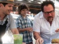 John Leguizamo, Emhay Anthony, and Jon Favreau in Chef