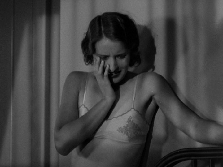 Barbara Stanwyck in Night Nurse