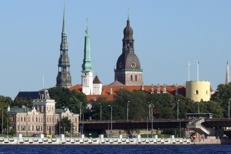Riga_castle_tower.jpg