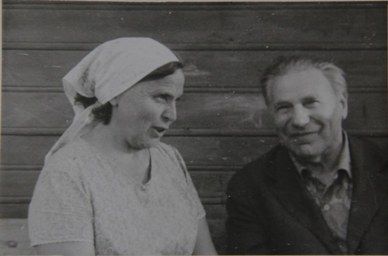 Monika Nikonova with Voolaine.jpg