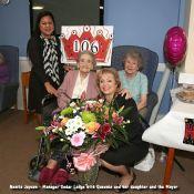 Queenie Bench at 106 7