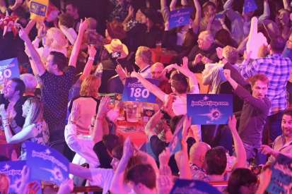 Lakeside BDO Darts 2 Jan 2016 - Alan Meeks 29