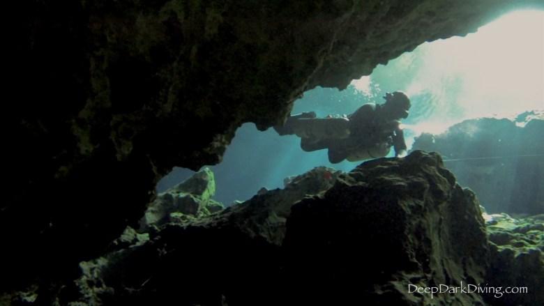 Cenote Minotauro - cave entrance