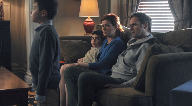 "Debra Messing Explores New ""Domain"" With ""The Mysteries of Laura"""