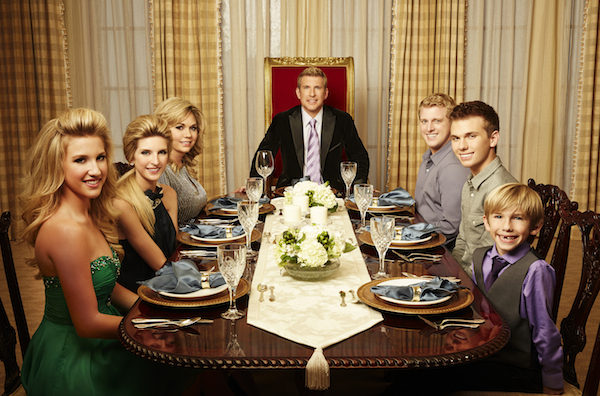 Chrisley Knows Best. L-R: Savannah Chrisley, Lindsie Chrisley Campbell, Julie, Chrisley, Todd Chrisley, Kyle Chrisley, Chase Chrisley, Grayson Chrisley (Photo from Season 1, USA Network, CR: USA Network)