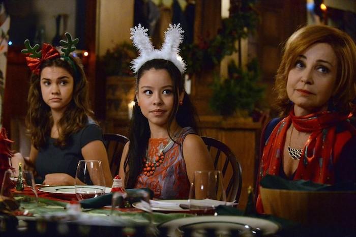 MAIA MITCHELL, CIERRA RAMIREZ, ANNIE POTTS (ABC Family/Eric McCandless)