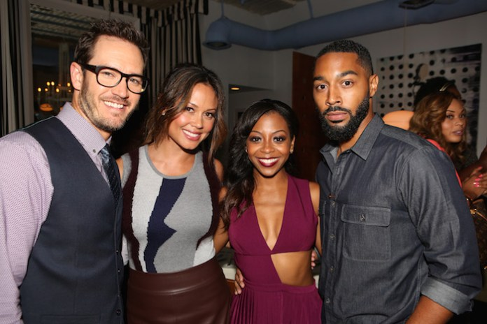 "TRUTH BE TOLD -- ""Happy Hour at Nic's Beverly Hills"" -- Pictured: (l-r) Mark-Paul Gosselaar, Vanessa Lachey, Bresha Webb, Tone Bell -- (Photo by: Evans Vestal Ward/NBC)"