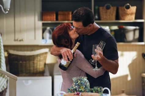 Pictured: (l-r) Carrie Preston as Martina, Patrick Warburton as Mike -- (Photo by: Vivian Zink/NBC)