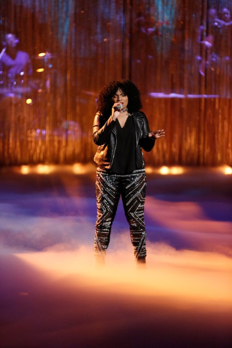 """THE VOICE -- """"Live Top 10"""" -- Pictured: Wé McDonald -- (Photo by: Tyler Golden/NBC)"""