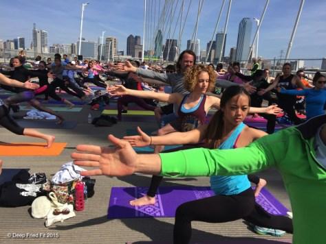 yogaonthebridge15