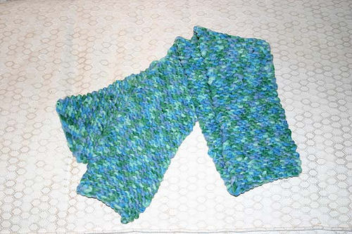 Knitting - My first scarf, for Av