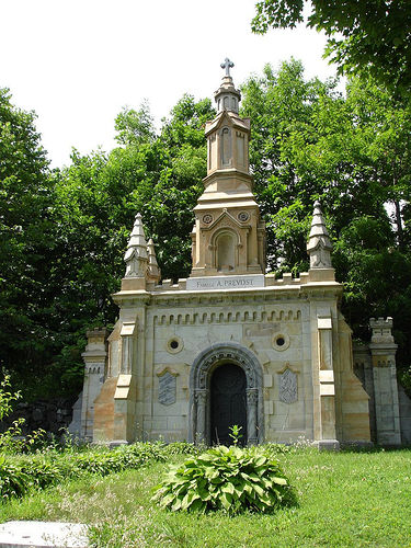 Montreal Mont Royal Cemetery 12