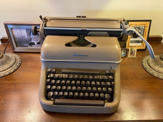 My Hebrew typewriter