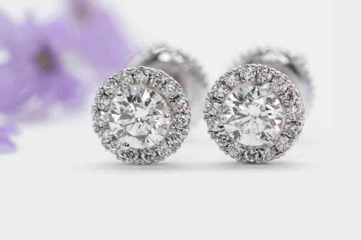A Guide to Buying Diamond Studs