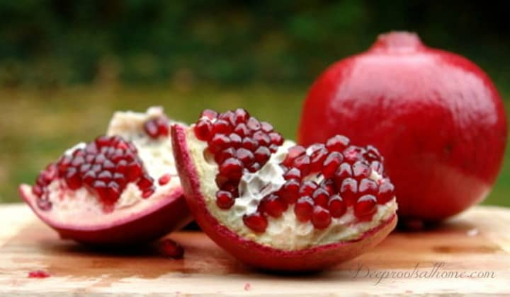 Research: Pomegranate Juice Reverses Heart Blockage, inhibit breast cancer, prostate cancer, colon cancer, leukemia, vitro <a style=