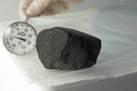 11-tagish-lake-meteorite11