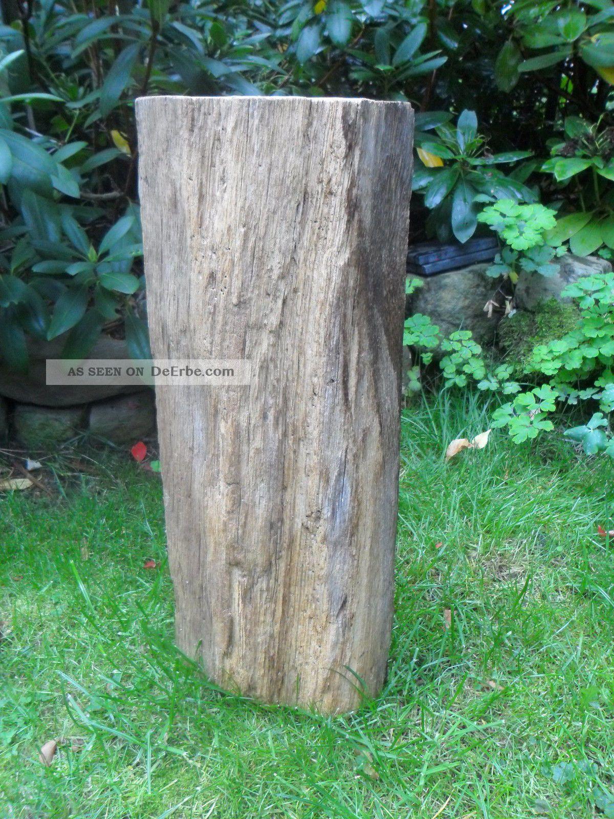 Alter Eichenbalken Stele Skulptur Garten