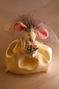 Ellen Mouse bridal closeup
