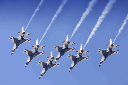 Air Force Thunderbird F-16s Delta Streaking Downward