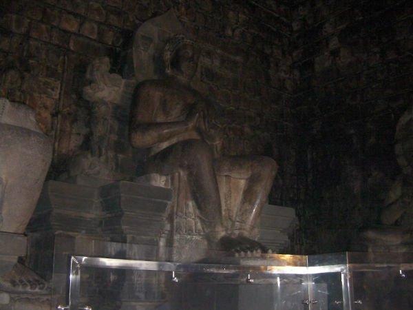 仏教寺院らしい仏像