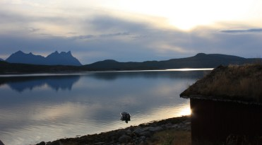 Sur la route de Skutvik, Norvège – Canon EOS 450D – 28 mm – f/9,0 – 1/125s – 100 ISO