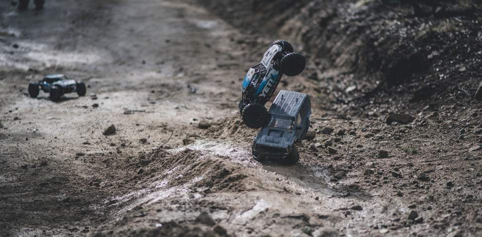 Rotiform SIX-OR defconbrix on some adventure axial yeti scx10