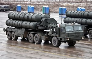 S-400-Anti-Aircraft-Missile-Launchers-Photo-by-Vitaly-V.-Kuzmin-425x274