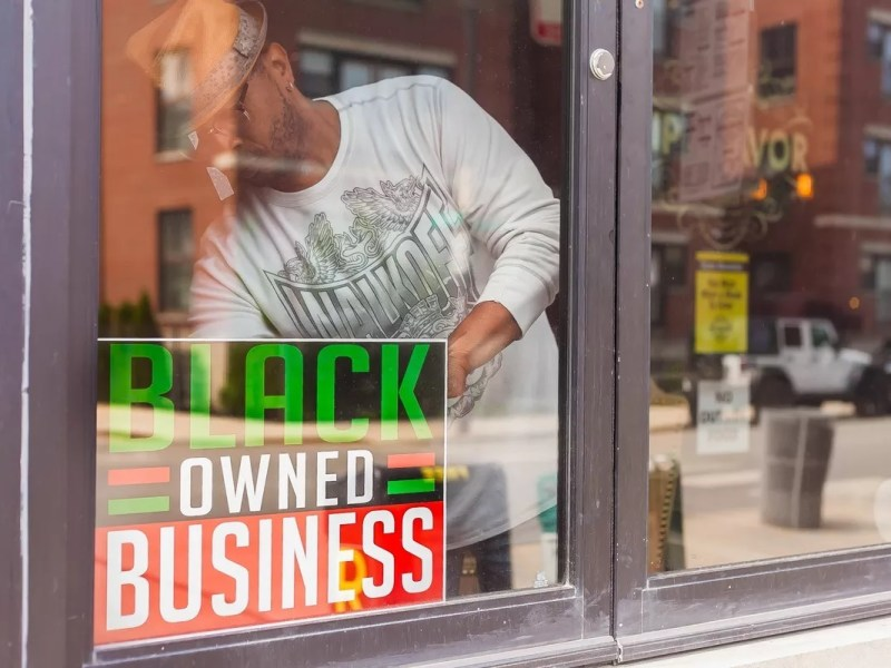 Black entrepreneurs: Apply to Amazon's $150M Black Business Accelerator