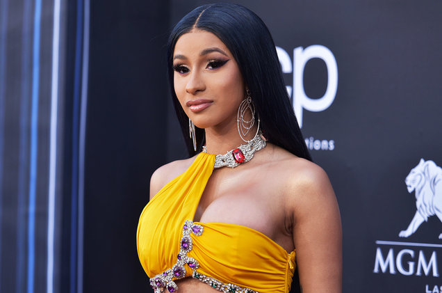 Cardi B apologizes after hosting close to 40 people for Thanksgiving