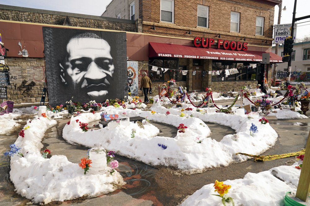 Floyd family agrees to $27M settlement amidst ex-cop's trial