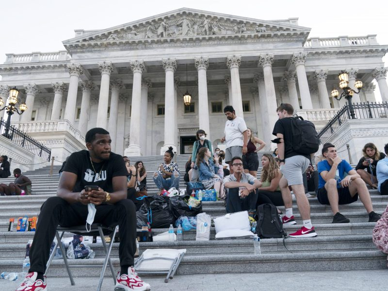 US appeals court refuses to end CDC's eviction moratorium
