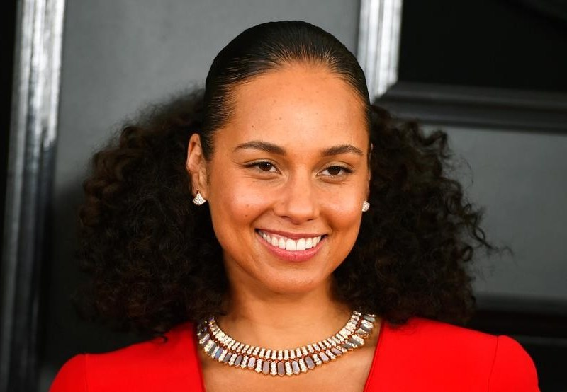 Alicia Keys adapts 'Girl On Fire' into young adult novel