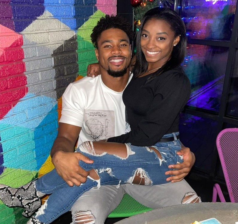 Texans' Jonathan Owens stands by boo Simone Biles through Olympic ups, downs