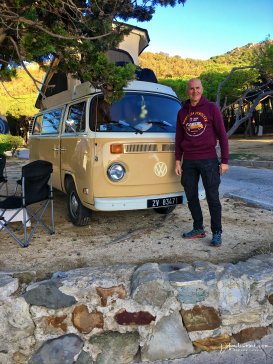 Lee & Olli's VW Bus in Taria