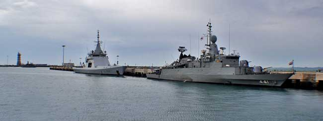 The French OPV L'adroit berthed near the Thai frigate HTMS Rattanakosin