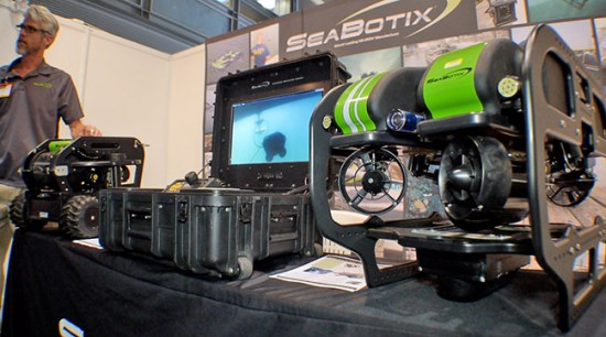The VLB 300 MiniROV from SeaBotix is employed by divers to scan vessels, protecting from leaech mines and underwater IEDs.