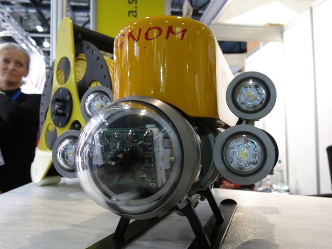 The Gnome from Slovakia is designed to dive under operator control (linked via cable) and search underwater at a distance 50 meter away.