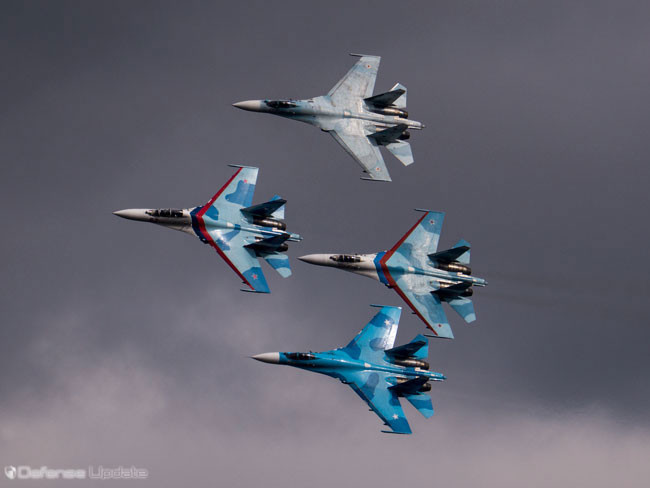 A formation of Su-27 fighters opened the display on the VIP day of the 25 September, 2913. Photo: Noam Eshel, defense-update