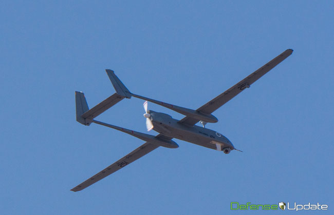 Heron flying low over Rishon Le'Zion, during the live rehearsal for the unmanned systems demonstration, scheduled at the place for 26 November. Photo: Noam Eshel, Defense-Update