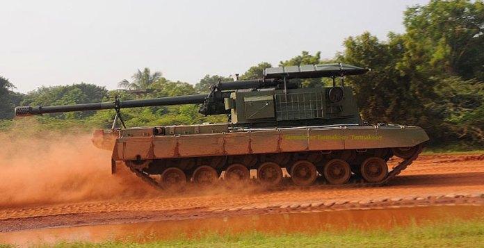 Arjun Catapult SP gun, mounting the Russian D46 130mm howitzer