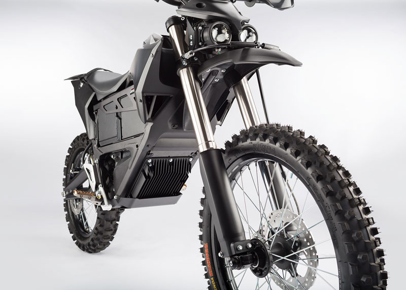The Zero MMX uses the  Z-Force electrically powered powertrain with direct drive gearing and an air cooled motor. With no transmission, powertrain fluids or gas, the Zero MMX is easy to transport and maintain. Endurance is provided by quick swappable power packs. Photo: Zero MMX
