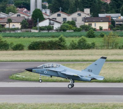 The second M-346 Lavi advanced jet trainer takes off from Venegono Superiore on its flight to Israel, 9 July 2014. Photo: Alenia Aermacchi