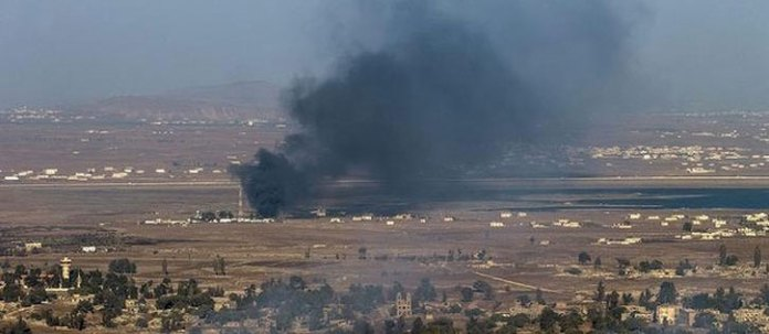 Smoke pillars from the UN post in Quneitra. August 30, 2014