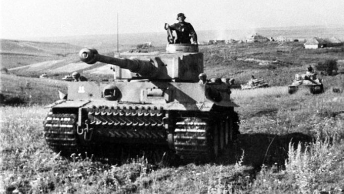 Tiger I (PzVI) heavy tanks of the German 2nd SS Panzer Division 'Das Reich', near Kursk, Russia, June 1943. Photo: Bundesarchive