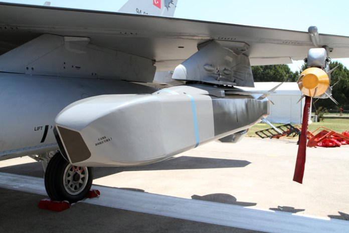 The Turkish Air Force uses the SOM cruise missiles with its -4E and F-16 fighters.