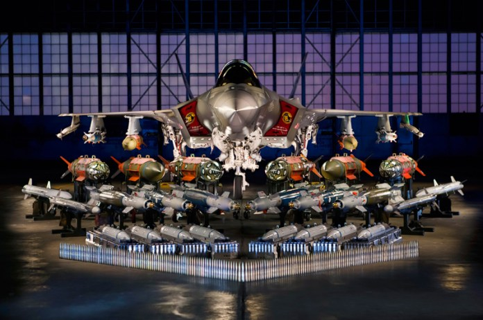 F-35A_Weapons_Carriage800