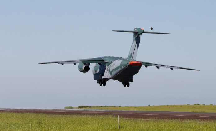 KC-390_Take_Off_725
