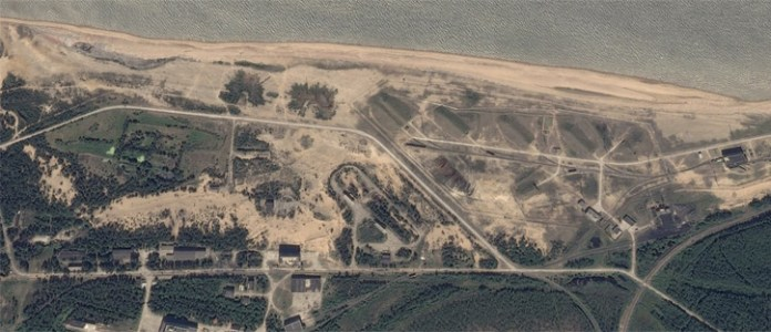 The missile test site near the village of Nyonoksa, located along the coast of the the white sea. Photo: Google Earth