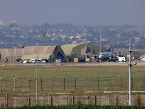 صورة لطائرة حربية على المدرج في قاعدة إنجرليك الجوية في تركيا في الثامن والعشرين من يوليو. وبعد شهور من التردد، بدأت الطائرات الحربية التركية الأسبوع الماضي في ضرب أهداف للميليشيات في سوريا، إلى جانب موافقتها على السماح للولايات المتحدة بشن غاراتها الجوية من قاعدة إنجرليك.  (صورة: STR/AFP)